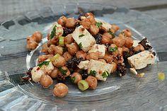 Kichererbsensalat mit getrockneten Tomaten und Feta, ein tolles Rezept aus der Kategorie Snacks und kleine Gerichte. Bewertungen: 223. Durchschnitt: Ø 4,5.