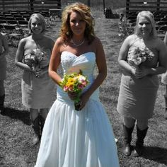I like the picture layout and how the bride stands out.