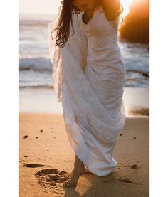Me and my wedding dress ����[another beautiful love story] by them ��������@contamecomofoi  #me #weddingdress #sunset  #legendary #ourwedding #justmarried  #wedding #weddingday #sunset #bride #bestdayever #ourwedding #girl #forlife #weddingdress #silk #beach #beautifulsky #love #stunning #portugalwedding #kawaii  #picoftheday #photography #instagood #like4like #casamento #sea #noiva #lace http://gelinshop.com/ipost/1518006641127367557/?code=BURCv9TFKOF