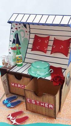 In dieser Explosionsbox steckt eine riesen Portion Urlaub, Strand und Überraschung. Hier lassen sich Geld, Gutschein und gute Wünsche ganz wundervoll verstecken. Mit diesem Geschenk macht man jedem eine Freude....