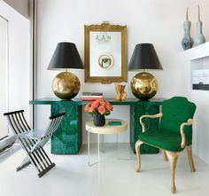 WSH loves the drama of this bold combination.
