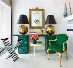 love the lamps and malachite console!