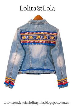 Cazadora vaquera, donde se mezclan cintas indias Denim jacket, where pigs are mixed tapes Denim Boho, Denim Fashion, Boho Fashion, Gilet Jeans, Look Boho Chic, Denim Ideas, Diy Clothes, Patches, T Shirt
