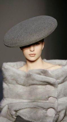 New clothes winter chic gray 40 Ideas Fur Fashion, Grey Fashion, Retro Fashion, Fashion Beauty, Vintage Fashion, Womens Fashion, Classic Fashion, High Fashion, Fashion Dresses