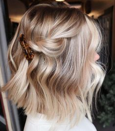 Best Ideas How To Do an Balayage Ombre on Short Hair , hair ombre Ideas How To Do an Balayage Ombre on Short Hair Short Hair Updo, Short Hair Styles, Blonde Ombre Short Hair, Ponytail Hairstyles, Long Bob Ombre, School Hairstyles, Brown Blonde, Boho Hairstyles, Everyday Hairstyles
