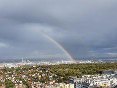 ÖSTERREICH-Wien-15:48Uhr Beautiful Sky, Travelling