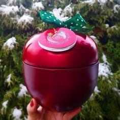 Minäkö keski-ikäinen?: Body Shop joulu, joulukalenterit ja oma lempisarja...