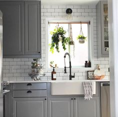 13 Real-Life Beautiful and Inspirational IKEA Kitchens - 1111 Light Lane - Kitchen Ideas Updated Kitchen, New Kitchen, Kitchen Decor, Grey Ikea Kitchen, Kitchen White, Ikea Kitchen Lighting, Brunch Mesa, Kitchen Plants, Home Kitchens