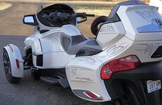 2014 Can Am Spyder rts custom striping by Vital Signs Verona WI by Mark Kramer