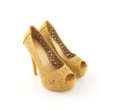 Pantofi Boney Bej >> Click pe poza pentru a vedea pretul. #pantofi #pantofisenzationali #newfashionromania #pantofiieftini Peeps, Peep Toe, Shoes, Fashion, Sandals, Moda, Zapatos, Shoes Outlet, Fashion Styles