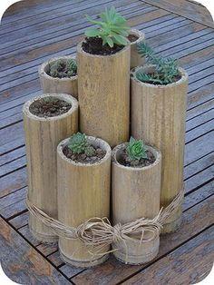 Resultados de la Búsqueda de imágenes de Google de http://blog.bamboofencer.com/files/2012/07/Bamboo-Garden-Planter-Idea.jpg