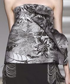 patternprints journal: PRINTS, PATTERNS AND SURFACES FROM NEW YORK FASHION WEEK (WOMAN COLLECTIONS SPRING/SUMMER 2015) / Thakoon.