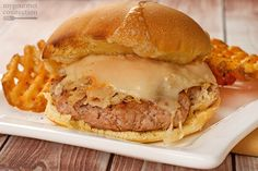 Reuben Turkey Burgers: Juicy turkey burgers are topped with all the elements of a classic Reuben sandwich - melted Swiss, Russian dressing and an easy-to-make mock sauerkraut. Reuben Sandwich, Fish Sandwich, Turkey Recipes, Fish Recipes, Appetizer Recipes, Healthy Recipes, Slider Recipes, Healthy Foods, Yummy Recipes