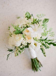 Bildresultat för brides bouquet white