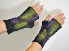 Felted fingerless mittens from pure Icelandic wool