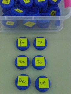 Material reciclat per confegir paraules, tenir consciència fonològica i fer una segmentació sil·làbica