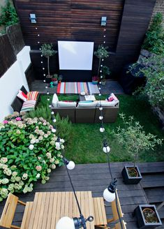 Outdoor cinema how to create using the Intel NUC Mini PC. Cozy Patio, Rustic Patio, Modern Patio, Bohemian Patio, Small Garden Landscape, Outdoor Projector, Outdoor Cinema, At Home Movie Theater, Backyard Retreat