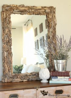 Easy DIY Driftwood Mirror - 12 DIY Inexpensive Home Decor Ideas I am actually in love with this :) Home Projects, Beach House Decor, Driftwood Mirror, Halloween Party Decor Diy, Inexpensive Home Decor, Cheap Home Decor, Home Decor, Interior Design Living Room, Driftwood