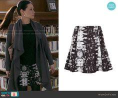 Joan's printed skirt on Elementary.  Outfit Details: http://wornontv.net/47798/ #Elementary