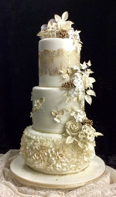 3 Tier Wedding Cakes, Wedding Cake Designs, Dress Cake, Cake Trends, Fashion Cakes, Cake Pictures, Bride Bouquets, Cold Porcelain, Cake Art