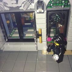 Jewel stealer off to the Brick Bank - #brickbank #lego #expert #legobrickbank #legostagram #robber #jewels #minifgureseries #legominifigures - by kathlene_cx