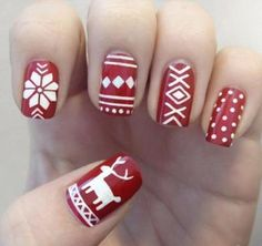 christmas sweater nails. SO PERFECT.