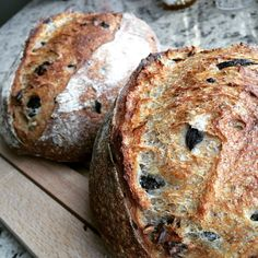 Herbs, pecan & olives country loaves #sourdough #naturalyeast #wildyeast #countryloaf #tartine #herbs #pecan #olives #bread