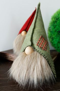 Ever since a visit to Denmark I really liked the Scandinavian Christmas gnomes (or tomte, nisse. Christmas Makes, Christmas Gnome, Diy Christmas Gifts, Christmas Projects, Handmade Christmas, Christmas Decorations, Christmas Ornaments, Gnome Ornaments, Christmas 2019