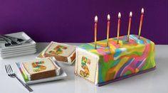 Es sieht total kompliziert aus, aber dieser umwerfend knallige Kuchen ist ganz einfach.