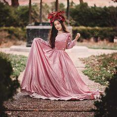 Flower girl dress, custom dress, flower girl,  wedding ideas, couture kids, bride, wedding. #bridetrends #weddingphotography #weddingphotographer #bridesmaid #weddingflowers