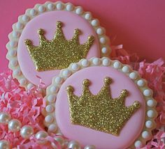 Princess Sparkly Crowns Decorated Sugar Cookies via Etsy Crown Cookies, Fancy Cookies, Iced Cookies, Cute Cookies, Cupcake Cookies, Sugar Cookies, Cookie Frosting, Royal Icing Cookies, Princess Cookies