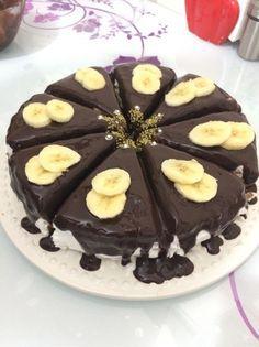 Çikolatalı Soslu Muzlu Pasta #çikolatalısoslumuzlupasta #pastatarifleri #nefisyemektarifleri #yemektarifleri #tarifsunum #lezzetlitarifler #lezzet #sunum #sunumönemlidir #tarif #yemek #food #yummy