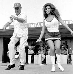 Bob Hope & Rachel Welch on a USO Tour in Vietnam!!!!!