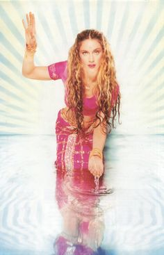 The Photoshoot of the Week - Madonna by David LaChapelle - Rolling Stone Magazine, 1998 - Madonna Art Vision David Lachapelle, Lady Madonna, Madonna Art, Divas, Madonna Pictures, La Madone, Portrait Studio, Indian Summer, Material Girls