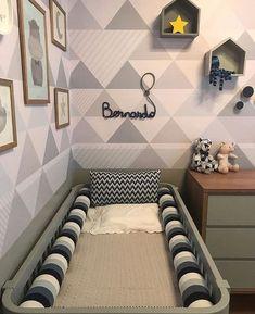 Quarto de Bebe Cinza e Amarelo: 50 Fotos para Inspirar Baby Bedroom, Baby Boy Rooms, Baby Room Decor, Baby Boy Nurseries, Nursery Room, Kids Bedroom, Baby Design, New Room, Girl Room