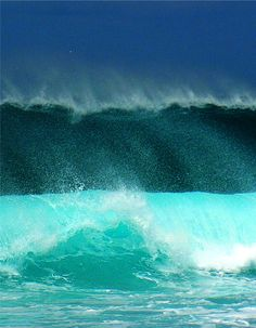 Waves crashing at Sal, Cabo Verde --  Source: viage