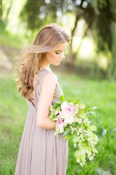 Spring bridal bouquet | Rensche Mari Photography | see more on http://burnettsboards.com/2014/02/sublime-springtime-wedding/