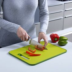 Smart But Simple Cutting Board with Built-in Knife Sharpener