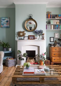 This stylist's London home is beautiful...and there are clever decor ideas to steal for your home.