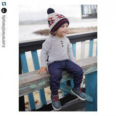 Bom dia! Bruuuuu... chuva e frio por aqui! Aquecer as extremidades é o truque pro seu pequeno ficar quentinho e espalhar estilo por aí! #tiptoeyjoey #boys #bota #hightop #baby {16 ao 22} #toddler {do 22 ao 26} e #junior {do 27 ao 34} #growingtogether