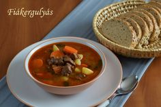 Fiákergulyás 🍴 Thai Red Curry, Beef, Ethnic Recipes, Food, Meat, Meal, Eten, Meals, Ox