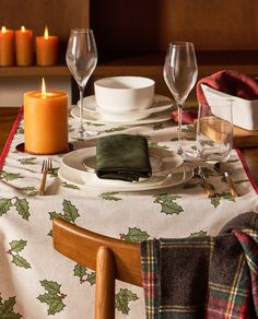 Sparkly Snow Crystal Christmas Tablecloths Table Runners Placemats Napkins