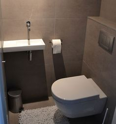 powder room with wall hung toilet Small Toilet Room, Guest Toilet, Small Bathroom, Wall Hung Toilet, Downstairs Toilet, Bad Inspiration, Bathroom Inspiration, Modern Bathroom Design, Bathroom Interior