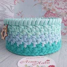 Crochet Circle Pattern, Crochet Circles, Crochet Bowl, Crochet Decoration, T Shirt Yarn, Merino Wool Blanket, Crochet Projects, Throw Pillows, Instagram Posts