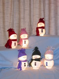 Amazing Snowman Craft Ideas For Decoration - Pajero is My Dream Christmas Craft Projects, Holiday Crafts, Christmas Decorations, Christmas Ideas, Christmas Mason Jars, Christmas Snowman, Globe Crafts, Rustic Crafts, Light Crafts