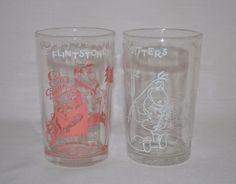 Set of 2 Hanna-Barbera Flintstones Glasses Welch's Jelly Jars 1962-1963 Pebbles