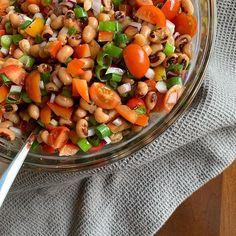 Black-Eyed Pea Salad Black Eyed Pea Salad, Black Eyed Peas, Pesto Potatoes, Salsa, Ethnic Recipes, Food, Essen, Salsa Music, Meals