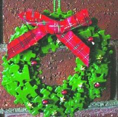 puzzle piece crafts wreath Puzzle Piece Crafts for All Seasons!