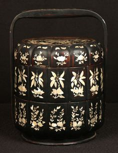 Antique Chinese Qing Dynasty Rare Black Lacquer Stacking Lunch Box Abalone Inlay