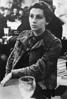 Gerda Taro, 1935